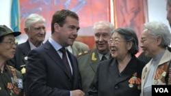 Presiden Rusia Dmitry Medvedev telah tiba di Tiongkok untuk lawatan tiga harinya di negara ini.