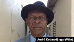 L'opposant Laoukein Kourayo Médard, président de la CTPD, à N'Djamena, 23 décembre 2018. (VOA/André Kodmadjingar)