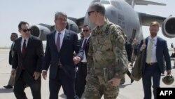 وزیر دفاع آمریکا در حالی به افغانستان رفت که پیشتر باراک اوباما از افزایش نیرو در این کشور خبر داده بود.