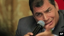 Una universidad argentina lo premiará como Presidente Latinoamericano por la Comunicación Popular.