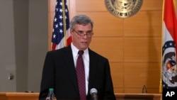 Công tố viên Quận hạt St. Louis Robert McCulloch công bố quyết định của đại bồi thẩm đoàn tại Clayton, bang Missouri, ngày 24 tháng 11, 2014.