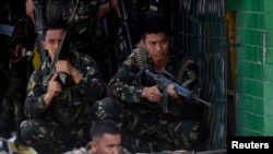 菲律宾政府军围剿莫洛武装阵线反政府武装