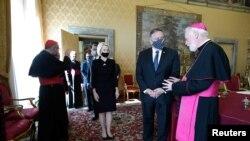 美國國務卿蓬佩奧到訪梵蒂岡與教廷國務卿帕羅林樞機主教會面(路透社2020年10月1日)