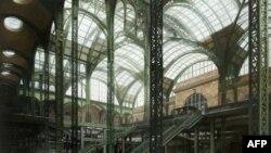 Atrijum originalne njujorške železničke stanice pod gvozdeno-staklenim krovom inispirisao je i srpskog umetnika, Milutina Dragojlovića koji je naslikao ovu sliku