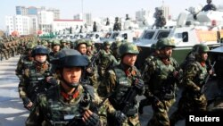 中国武警部队在新疆喀什举行反恐誓师大会(2017年2月27日)
