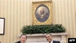 Президент США Барак Обама (справа) и генсек ООН Пан Ги Мун. Белый дом. Вашингтон. 28 февраля 2011 года