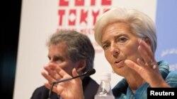 11일 도쿄에서 열린 국제통화기금(IMF)과 세계은행 연차총회에서 크리스틴 라가르드 IMF 총재(오른쪽).