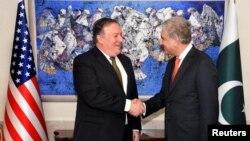 پاکستان کے وزیر خارجہ شاہ محمود قریشین اور امریکہ کے وزیر خارجہ مائک پومپیو۔ فائل فوٹو