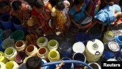 Muchas regiones del mundo ya padecen de escasez de agua potable.