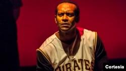 El actor Modesto Lacén asegura estar viviendo un sueño al interpretar al béisbolista Roberto Clemente.