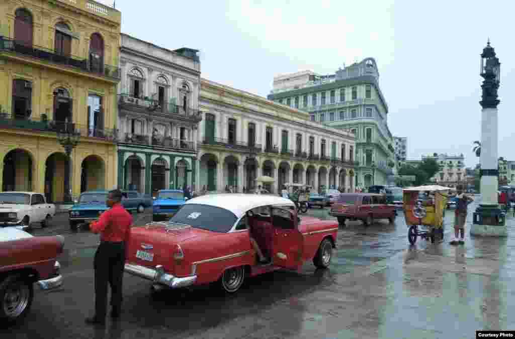 Phố cổ Havana (ảnh Bùi Văn Phú)