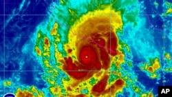 Imagen de satélite muestra el desplazamiento de la tormenta Raymond que se fortaleció a categoría 3.