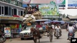 2011年3月11日缅甸孟邦一个城镇的市景