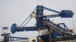 Trabalhadores afastados do Porto do Lobito aguardam por indemnização há 20 anos - 1:45
