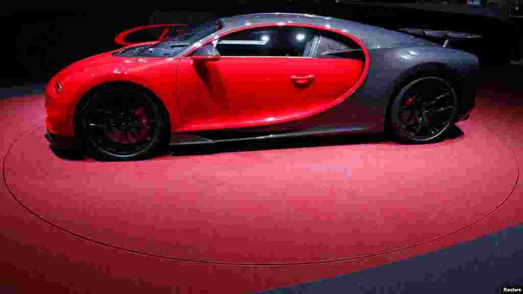 رونمایی از جدیدترین بوگاتی شیرون در هشتاد و هشتمین نمایشگاه بین المللی خودرو در ژنو