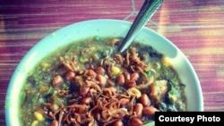 Bubur pedas khas warga Sambas, Kalimantan Barat.