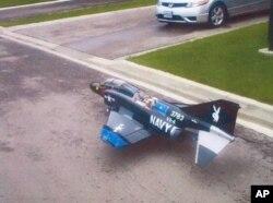 Modelo do avião a ser usado por Rezwan Ferdaus nos ataques contra Pentágono e Capitólio