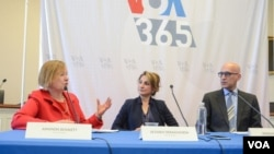 (From L to R) VOA Director Amanda Bennett with Director of VOA Persian/VOA 365 Setareh Derakhshesh and RFE/RL's Radio Farda Director, Mehdi Parpanchi