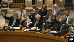 La resolución también pide a todas las partes poner fin de inmediato a los enfrentamientos armados.