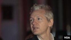 Pendiri WikiLeaks, Julian Assange bertekad untuk terus mempublikasikan dokumen-dokumen rahasia, meski tengah menghadapi tuntutan hukum.