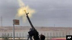 معمرالقذافی: ما علیه غرب خواهیم جنگید