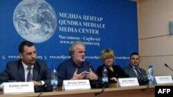 Učesnici debate u Medija centru u Čaglavici