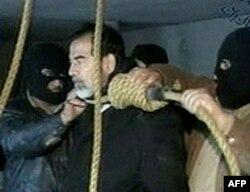 Saddam Hussayn 2006 yilning dekabrida dorga osilgan