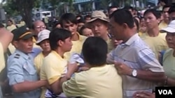 Kelompok-kelompok agama dan kepercayaan, seperti para penganut Falun Gong ini, merupakan salah satu kelompok yang menjadi sasaran penindasan oleh pemerintah Vietnam.
