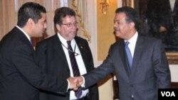 Leonel Fernández, presidente de República Dominicana, inicia este 28 de noviembre de 2011 su gira en Bogotá, Colombia.