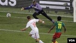 Camerún fue en todo tiempo superior a Dinamarca, pero los africanos no lograron concretar sus jugadas de gol, Dinamarca si lo hizo.