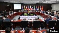 Bộ trưởng Thương mại và các phái đoàn các nước còn lại của TPP dự hội nghị các bộ trưởng TPP tại Đà Nẵng ngày 9/11/2017 bên lề Hội nghị thượng đỉnh APEC.
