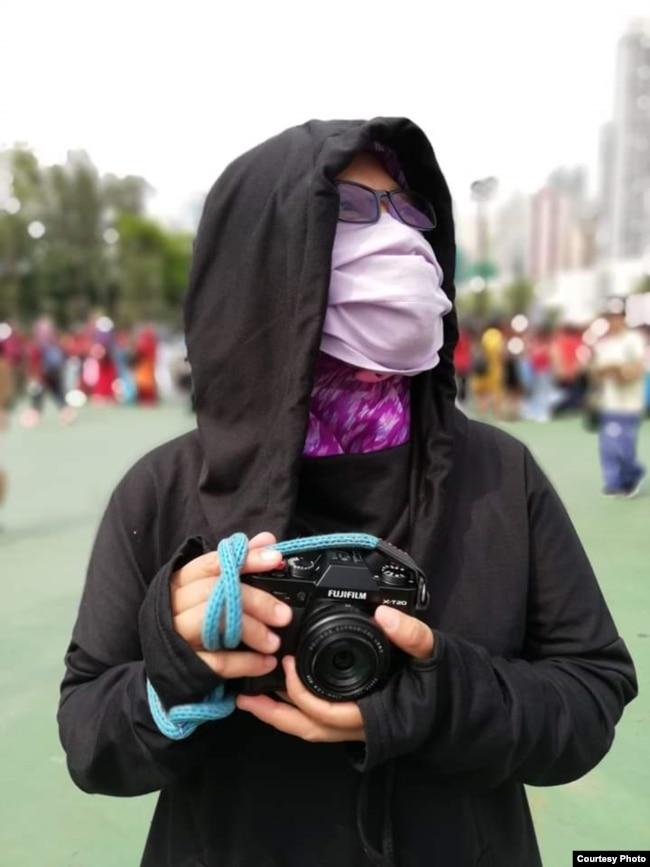 Yuli kerap meliput aksi-aksi demonstrasi pro-demokrasi di Hong Kong dan menulis untuk beberapa media buruh migran di sana. (Courtesy: Migrant Care)
