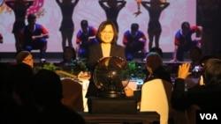 蔡英文总统启动晚宴开始的水晶球(美国之音杨明 拍摄)