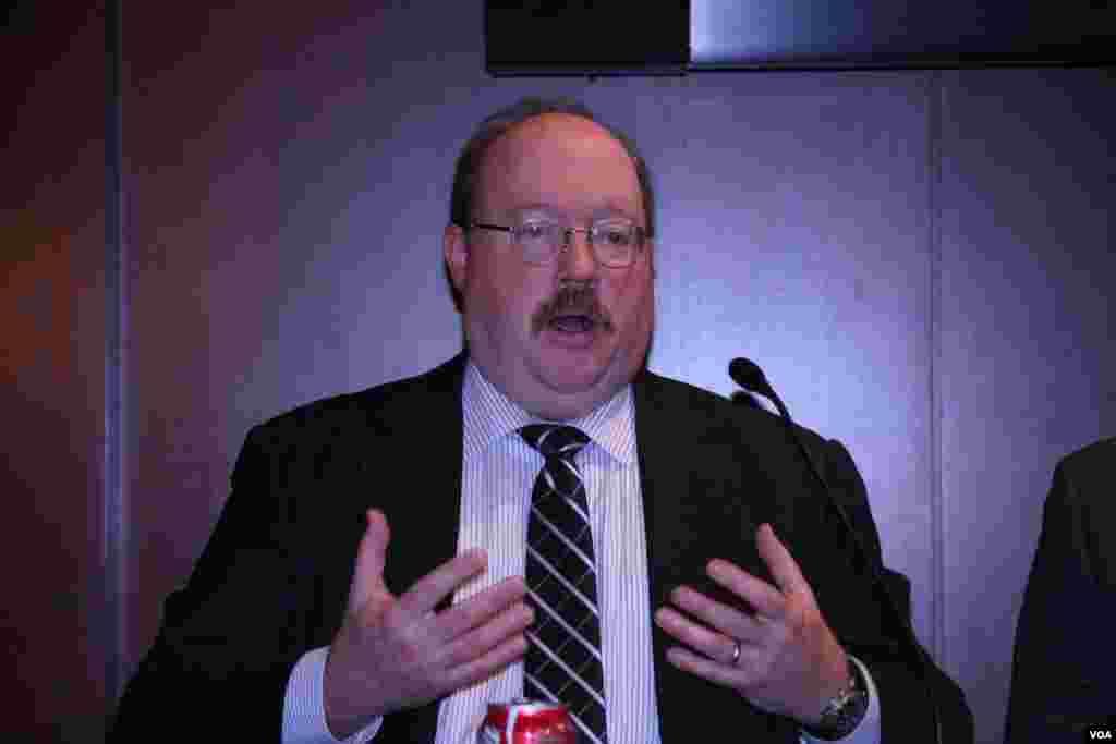 国际评估及战略中心资深研究员费舍尔(Richard Fisher)