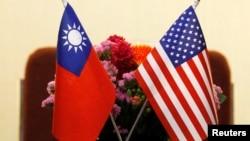 台灣與美國國旗並排擺放(資料圖片)