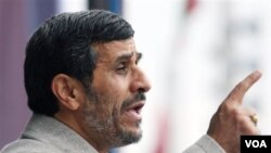 Presiden Iran Mahmoud Ahmadinejad tampil dalam waancara dengan televisi pemerintah setempat.