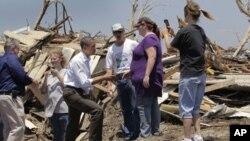 奧巴馬總統星期天視察喬普林災區