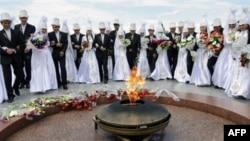 Peru: 92 çifte celebrohen pak ditë përpara ardhjes së vitit 2012