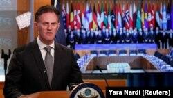 L'ambassadeur Nathan Sales s'exprime lors d'une conférence de presse au Département d'État à Washington, États-Unis, le 14 novembre 2019.