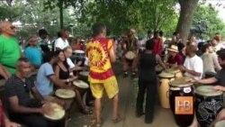 Африканские барабаны и ритмы в парке «Меридиан хилл» в Вашингтоне