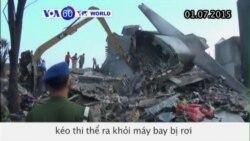 Indonesia tiếp tục tìm kiếm thi thể nạn nhân máy bay rơi (VOA60)