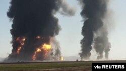 阿富汗靠近伊朗的邊境地區數百輛燃油車2月13日發生爆炸,引發大火。