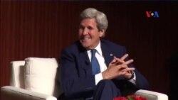 Ngoại trưởng Kerry tiết lộ chuyện xuống dưới lăng ông Hồ