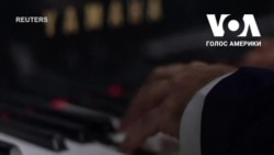 Привітання з Днем матері: Піаніст грає на роялі із вантажівки, що їздить вулицями Сан-Паулу. Відео