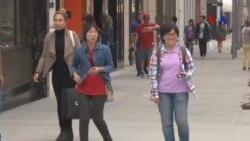 Người trẻ tuổi mua sắm không còn chú trọng nhiều vào thương hiệu