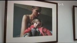 У Києві відбулась виставка про життя переміщених осіб. Відео
