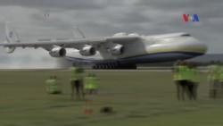 Máy bay lớn nhất thế giới đáp xuống Australia