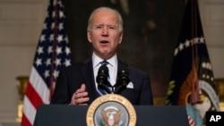 ប្រធានាធិបតីសហរដ្ឋអាមេរិកលោក Joe Biden ថ្លែងសុន្ទរកថានៅសេតវិមាន រដ្ឋធានីវ៉ាស៊ីនតោន ថ្ងៃទី២៧ ខែមករា ឆ្នាំ២០២១។
