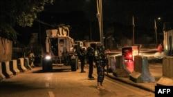 Polícias da força da União Africana patrulham a cidade de Mogadísco (Foto de Arquivo)