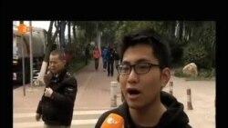 警察逮捕抗议学生